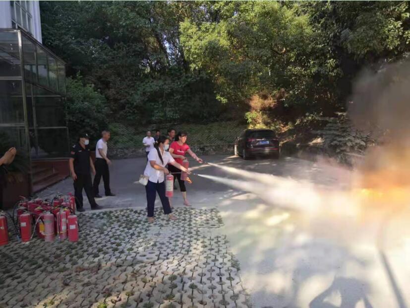 【市机关事务服务中心】联合多部门开展办公区消防演练活动